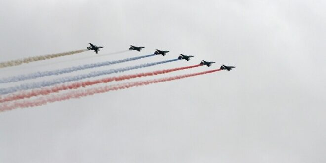 """أول بروفة روسية سورية للعرض الجوي في """"حميميم"""