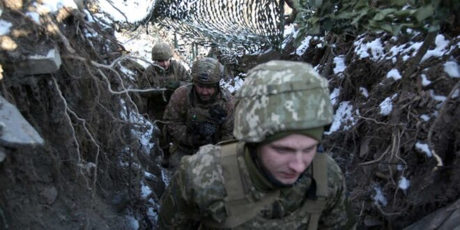 تحركات عسكرية ونقل أسلحة.. هل تستعد روسيا لغزو أوكرانيا؟