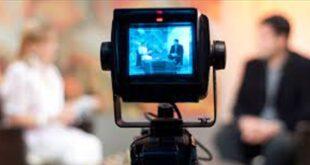 """إعلامية تُحرج فناناً سعودياً بطلبها: """"خذني زوجة رابعة""""! (فيديو)"""