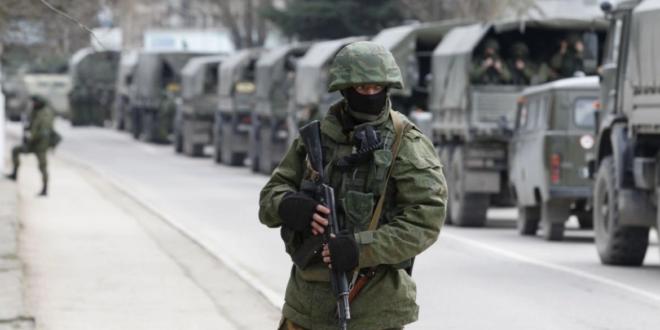طبول الحرب تقرع: 100 ألف جندي روسي على حدود أوكرانيا!