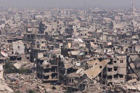 """منع عمليات البيع والشراء للعقارات في مخيم """"اليرموك"""".. والسبب؟"""