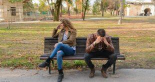 امرأة تكتشف خيانة زوجها صدفة في صحيفة