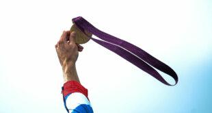 فتاة سورية تحصل على الميدالية البرونزية في أولمبياد مندلييف العالمي للكيمياء