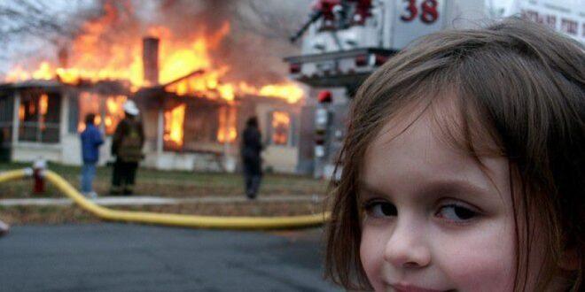 'فتاة الكوارث' تبيع صورتها بنصف مليون دولار