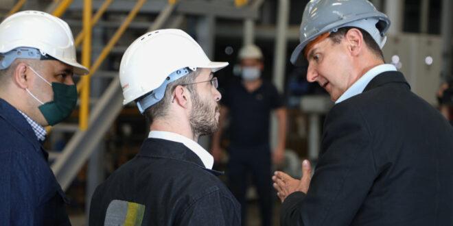 الرئيس الأسد في زيارة مفاجئة لعدد من المنشآت والمعامل في مدينة حسياء.. شاهد!