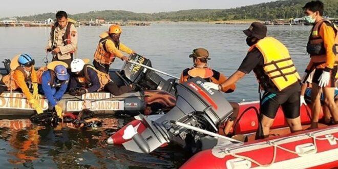 صورة سيلفي تقتل سبعة إندونيسيين على متن قاربهم السياحي.. كيف حدث ذلك؟