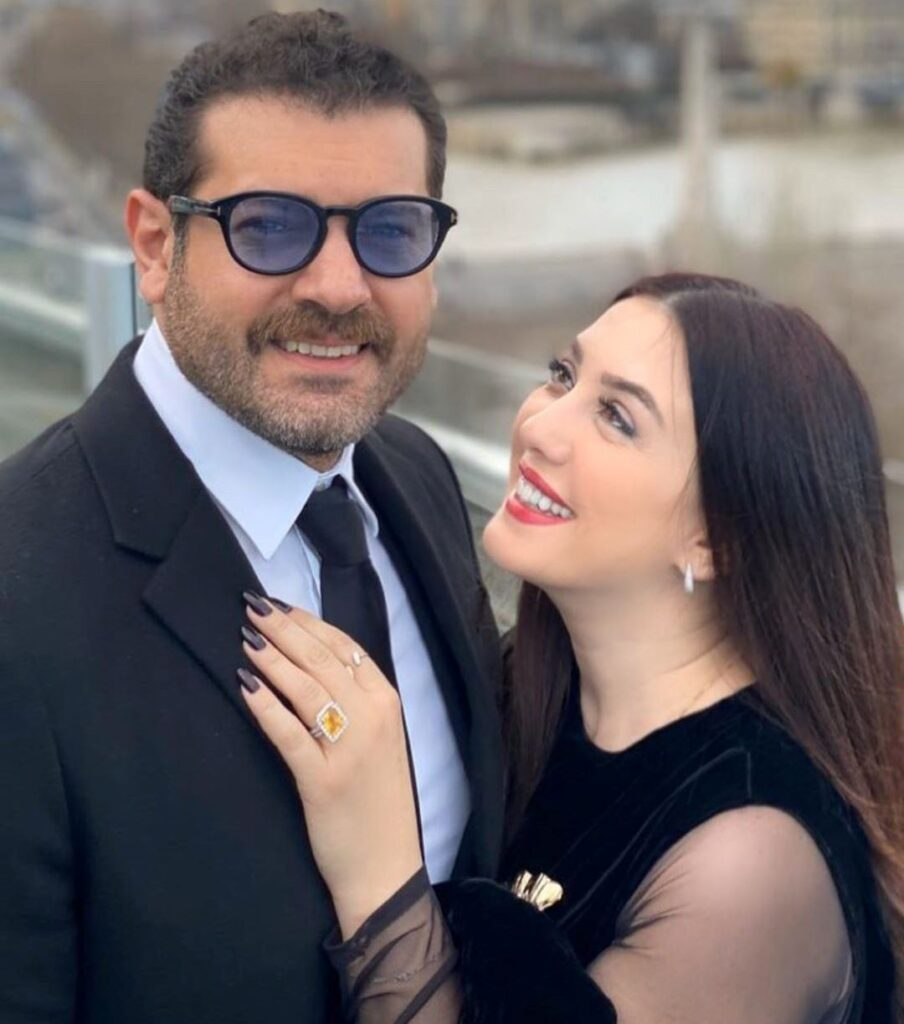 كندة علوش وزوجها يمارسان الرياضة