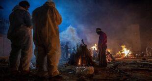"""امرأة هندية """"تبعث """" حيّة قبل حرق جثمانها بثوان"""