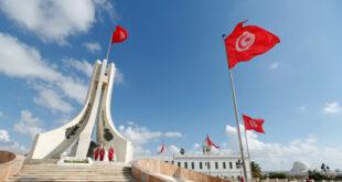 """تونس.. """"لص حنون"""" يسرق هاتفا ويعيد الشريحة وبطاقة الذاكرة لصاحبته"""