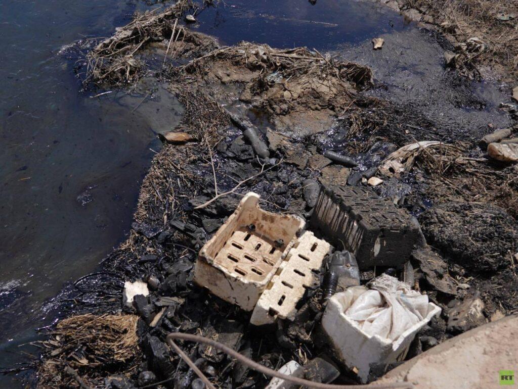 نهر من نفط.. كارثة طبيعة من صنع البشر شمال شرق سوريا