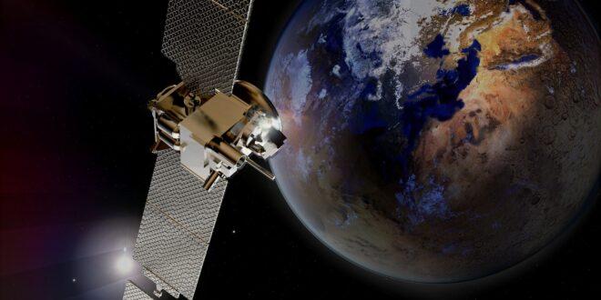 الأقمار الاصطناعية: ما هي استخداماتها وكيف تدور حول الأرض؟