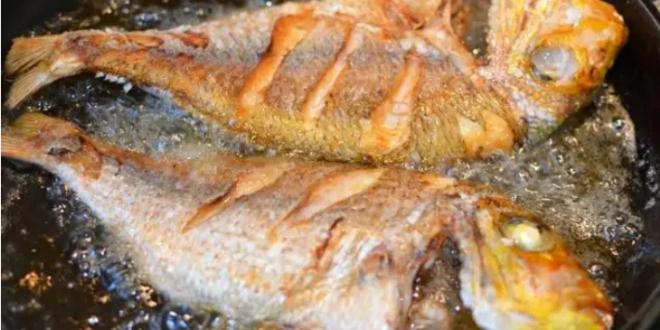 لقلي السمك بدون رائحة أضيفي هذا الزيت السحري