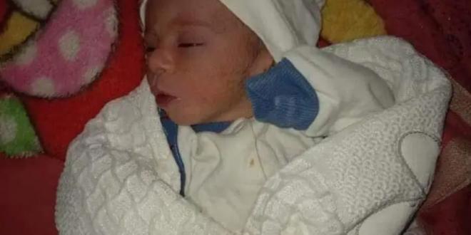 العثور على طفلة حديثة الولادة مرمية