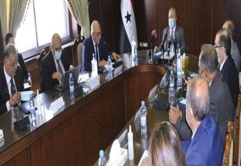 وضع الشخص المناسب في المفاصل المهمة.. صباغ: لجنة لإعادة المستثمرين الذين غادروا سورية