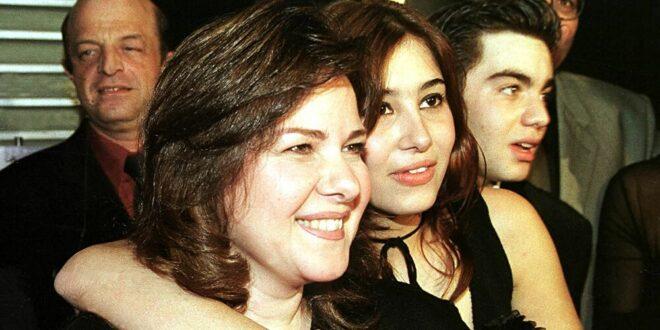 أخبار غير مطمئنة بشأن الحالة الصحية للفنانة دلال عبد العزيز