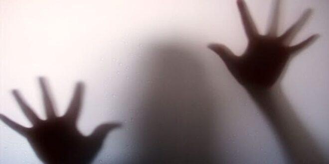 مقتل شابة ووالدتها بسبب صورة