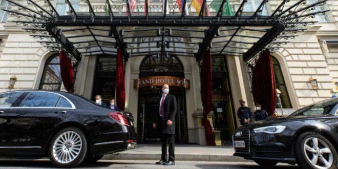 سوريا تنتظر.. هل يخرج الدخان الأبيض من الفندق التاريخي في فيينا؟
