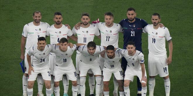فيديو أثار ضجة كبيرة... ماذا فعل لاعبو منتخب إيطاليا خلال عزف نشيد السلام الوطني