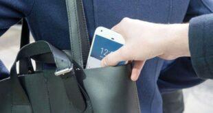اللص الغبي.. سرق هاتف فتاة وأرسل صورته لصديقاتها للتعارف