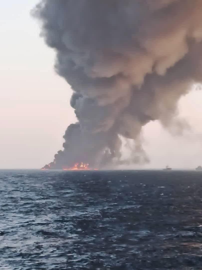 غرق أكبر سفينة دعم لوجستي للجيش الإيراني