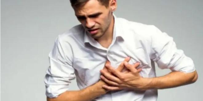 الوخزات الحادة في الصدر