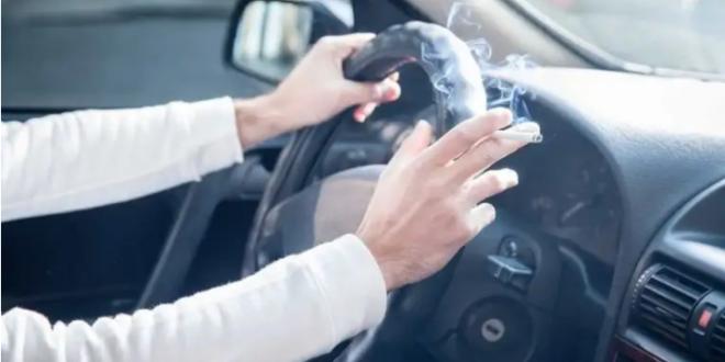 مكون خارق يخلصك من رائحة السجائر داخل سيارتك