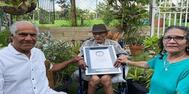أكبر رجل معمر في العالم يكشف سر حياته الطويلة