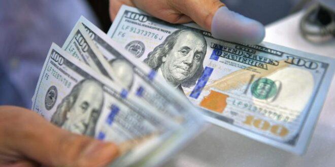 """ماهو """"الدولار المجمد"""" وكيف أصبح وسيلة للاحتيال في الشمال السوري؟"""