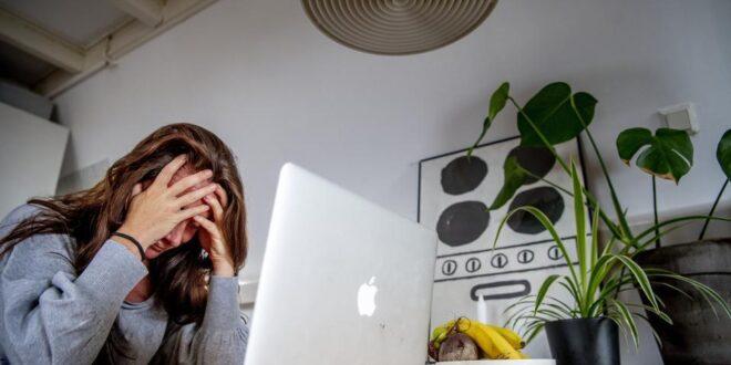 وظائف النساء عالمياً مقابل 3 % للرجال بفعل الجائحة