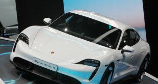 بورش تسحب 43 ألف سيارة كهربائية حول العالم