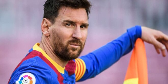 أسوأ نادي في العالم يشترط على ميسي أن يقسم بأن بيليه أفضل من مارادونا حتى يتعاقد معه
