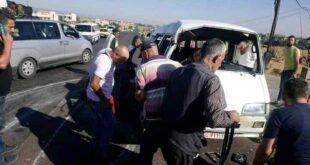 إصابة عمال من مصفاة حمص إثر تدهور حافلة تقلهم على الطريق