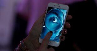 علامات إذا شاهدتها في هاتفك تدل على تعرضه للاختراق أو التجسس عليك