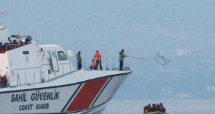الأناضول: 3 لاجئين سوريين يعودون من اليونان الى تركيا سباحة!