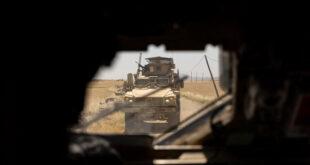القوات الأمريكية تسرق كميات جديدة من القمح والنفط من سوريا