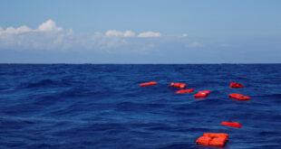 تركيا.. غرق مركب يقل 45 لاجئا سوريا أثناء توجهه إلى إيطاليا