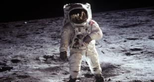 """هل هذا ما رآه باز ألدرين على القمر؟.. فنان """"يفكك"""" صورة من مهمة أبولو 11 ليكشف ما رآه رائد الفضاء!"""
