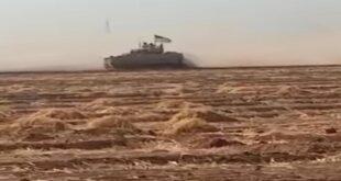 أهالي قرية سورية يعترضون رتلا عسكريا أمريكيا ويجبرونه على التراجع
