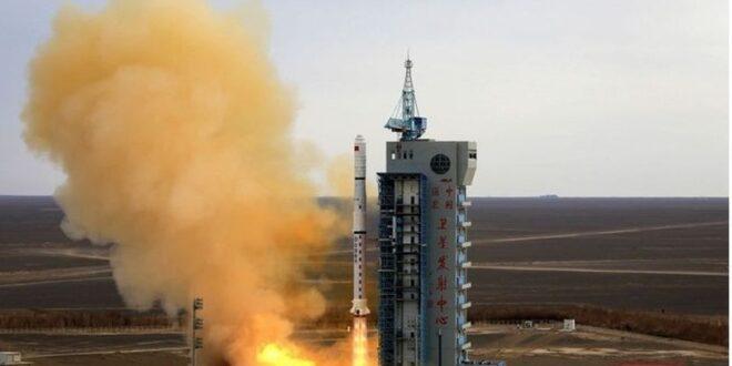 بالصور..الصين ترفع علم البلاد على المريخ وترسم شعارا غريبا على سطحه