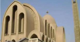 شاهد.. ملاحقة رجل عنكبوت تسلق سقف كنيسة وأشعل النيران