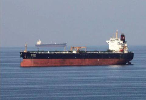 نفط وناقلة غاز إلى ميناء بانياس