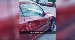 امراة تحصل على تعويض غريب من شخص صدم سيارتها وذهب