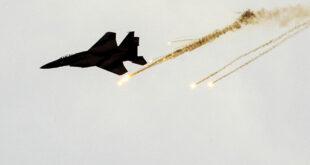 قصف جوي إسرائيلي على أهداف في جنوب لبنان هو الأول من سنين