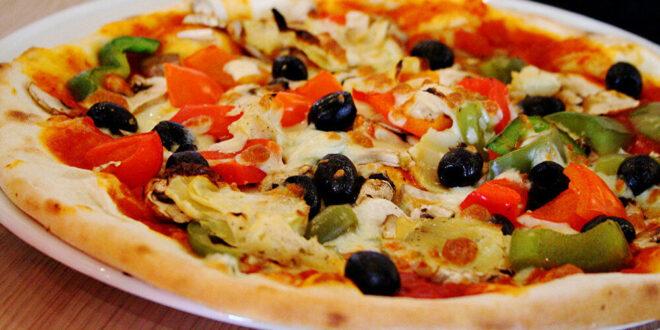 عالما رياضيات يكتشفان أفضل طريقة لتقطيع البيتزا