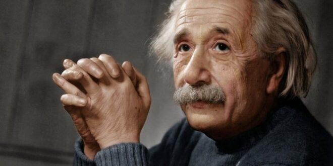 تحققت تنبؤات أينشتاين علماء فلك يرون ضوءا خلف ثقب أسود لأول مرة!