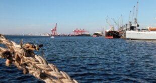 السفينة التي احترقت في ميناء اللاذقية