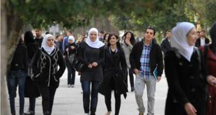 مجرد إشاعة.. وزير التعليم العالي ينفي منع الطالبات من وضع المكياج في الجامعات