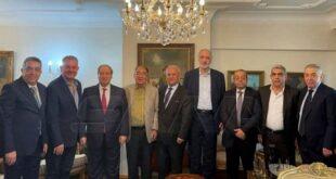 المقداد يجتمع مع صناعيين ورجال أعمال سوريين