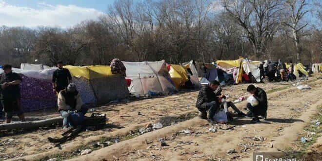 لاجئون سوريون عالقون في جزيرة بين الحدود اليونانية التركية