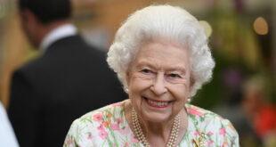 صحيفة بريطانية تكشف أغرب عادات تناول الطعام عند ملكة بريطانيا.. تعرفوا عليها